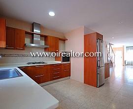 Gran casa unifamiliar en venta en el centro de Mataró, a 1 minuto de la playa