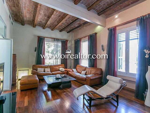 Casa catalogada modernista en venta junto al Turó Park