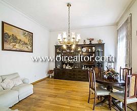 Продается квартира без ремонта в Эшампле Дрета, Барселона