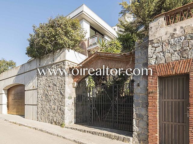 Casa independiente de nueva construcción en Vallvidrera, Barcelona