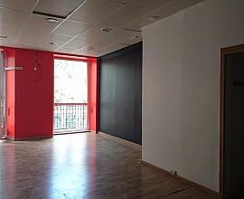 Inmueble en venta en ubicación privilegiada en Les Rambles de Barcelona