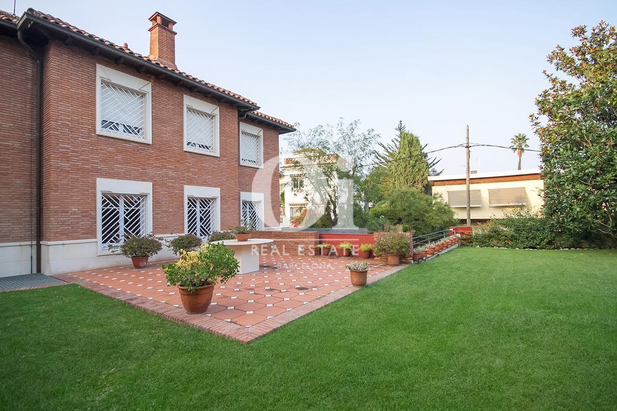 Jardin grand et agréable dans une maison en vente à La Bonanova