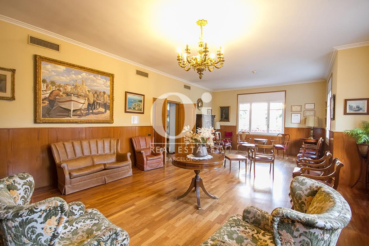 Salon très spacieux dans une maison en vente à La Bonanova