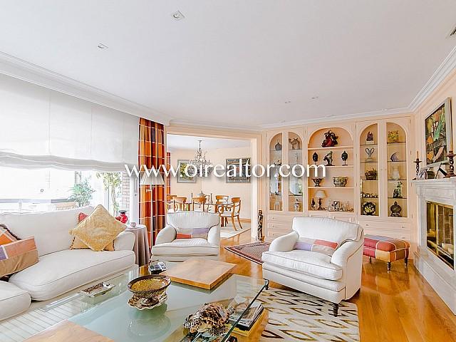 Exclusivo piso en venta en la zona alta en Tres Torres, Barcelona