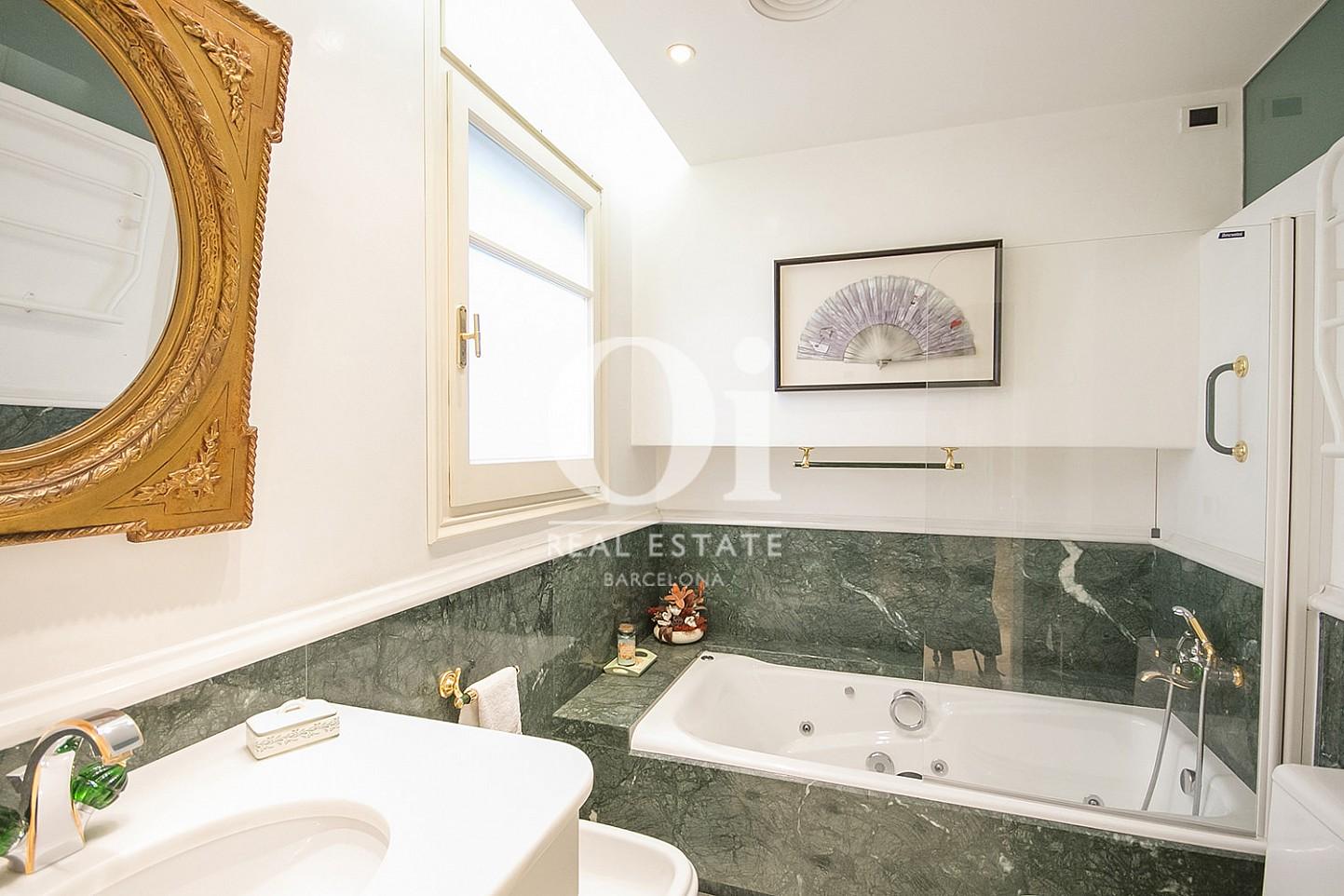 Badezimmer in Luxus-Immobilie zum Kauf in la Bonanova in Barcelona