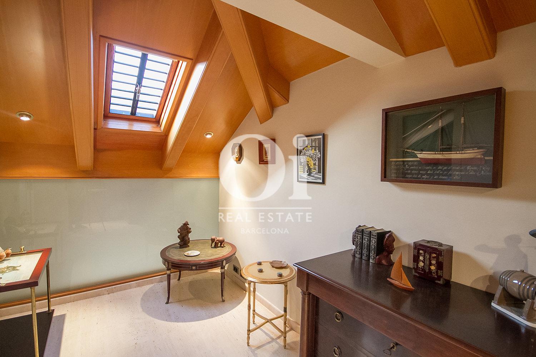 Dernier étage mansarde dans une maison en vente à La Bonanova