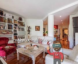 Elegante piso en venta de 210 m2 con gran terraza en calle Enrique Granados, Eixample Izquierdo