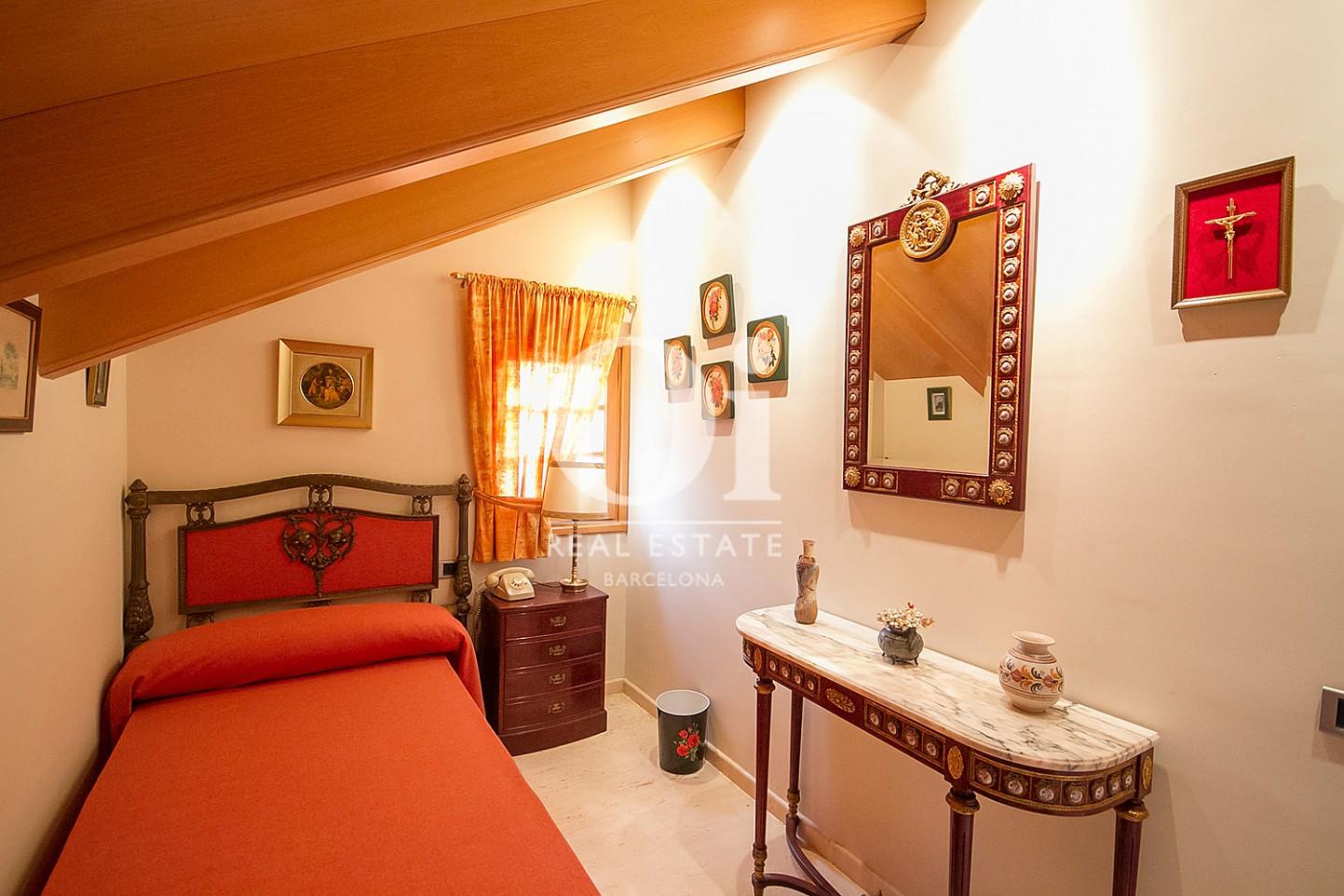 Schlafzimmer in Luxus-Immobilie zum Kauf in la Bonanova in Barcelona
