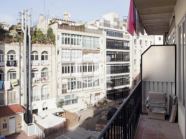 Pis en venda a immillorable ubicació al carrer Fontanella, ideal per a inversors