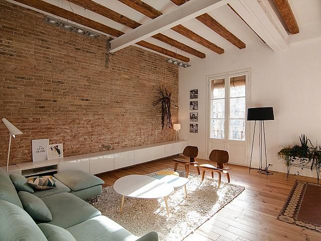 Appartement en vente à rénover dans un immeuble Regia à côté de la Plaza Universitat, Eixample Dreta