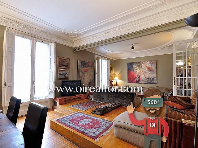 Elegant property for sale in a royal estate in Eixample Dreta
