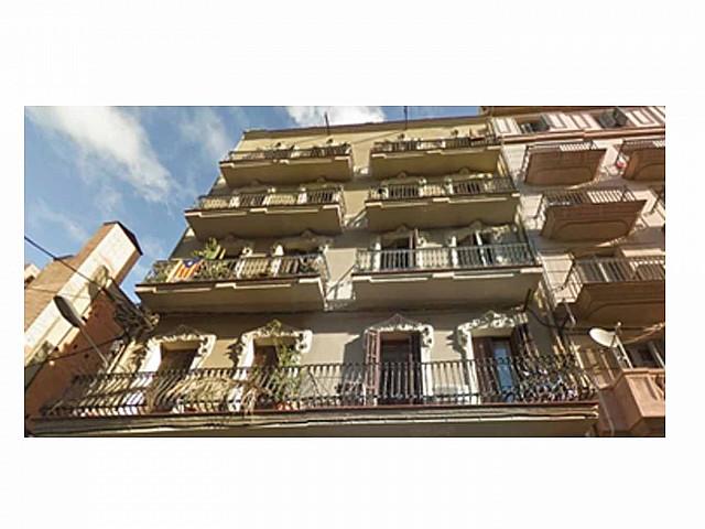 Building for sale in Barcelona near Plaça Espanya
