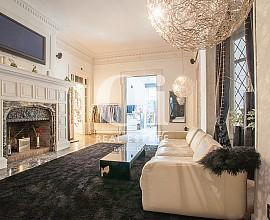Luxury apartment for sale in Diagonal near Plaza Francesc Macià, Barcelona