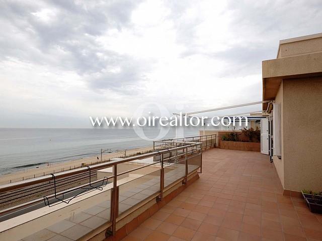 Espectacular àtic en venda a primera línia de mar a Vilassar de Mar