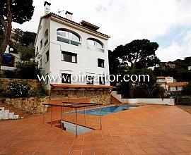 Exceptionnelle maison en vente dans le lotissement Roca Grossa à Lloret de Mar, Costa Brava