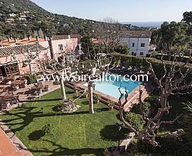 Masia Hotel de 4* amb encant en venda a Cabrils, Maresme