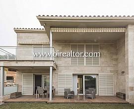 Fantàstica casa semi adossada al costat del golf de Sant Vicenç de Montalt