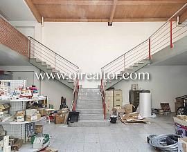 Edifici en venda al centre de Sant Joan Despí, Barcelona