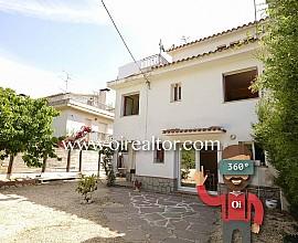 Casa en venta en el centro de Òrrius comarca del Maresme