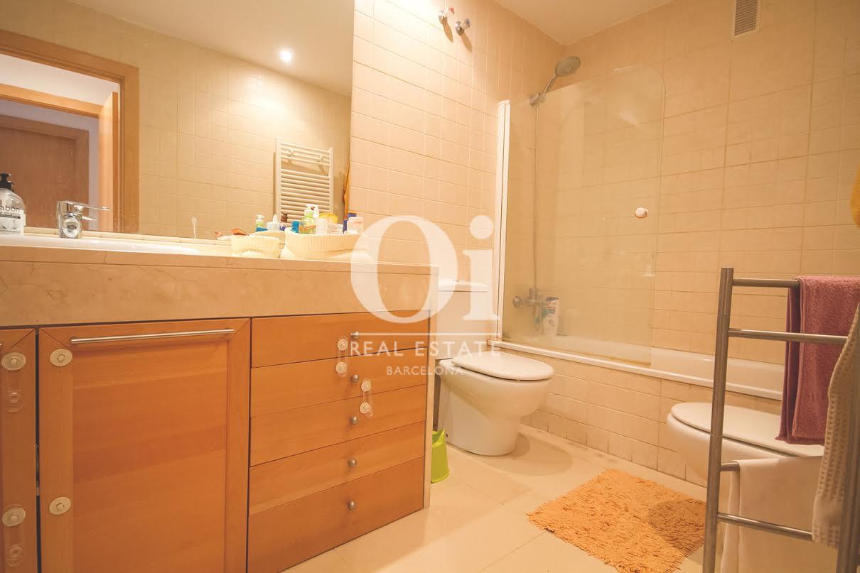 Badezimmer in Luxus-Appartement zum Kauf in der Carrer Pallars in Barcelona