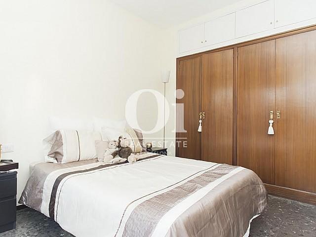 Вид спальни в прекрасной квартире в аренду в Правом Эшампле в Барселоне