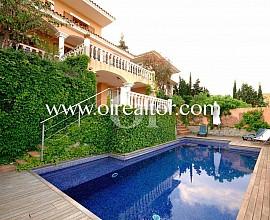 Продается дом с видами на море в Алелья