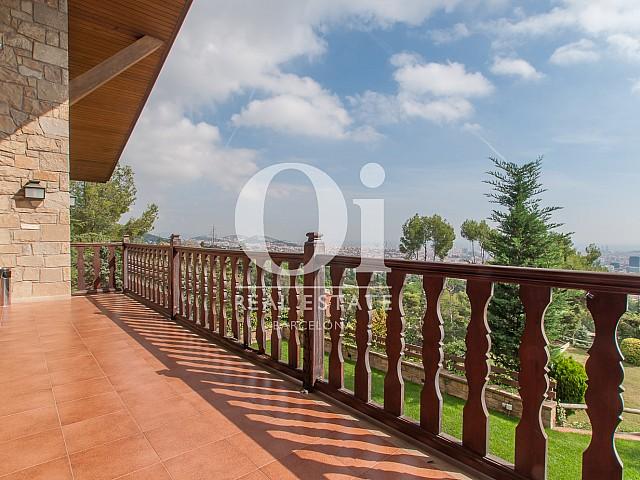 Terrasse ensoleillée dans une magnifique maison de luxe en vente à Pedralbes
