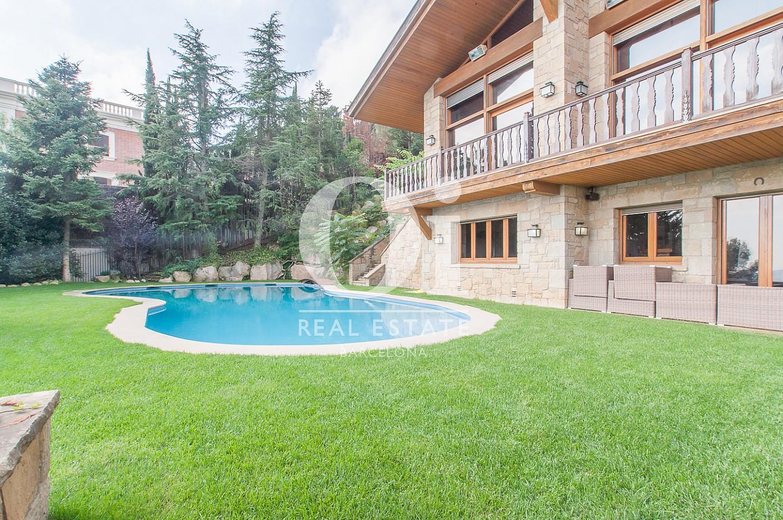 Garten mit Pool Luxus-Immobilie zum Kauf in Pedralbes in Barcelona