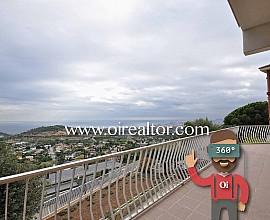 Продается элегантный дом в Тиана, Маресме