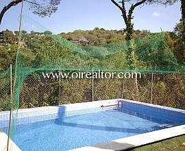 Fantástica casa en venta en Urb. Les Ginesteres en Argentona, Maresme