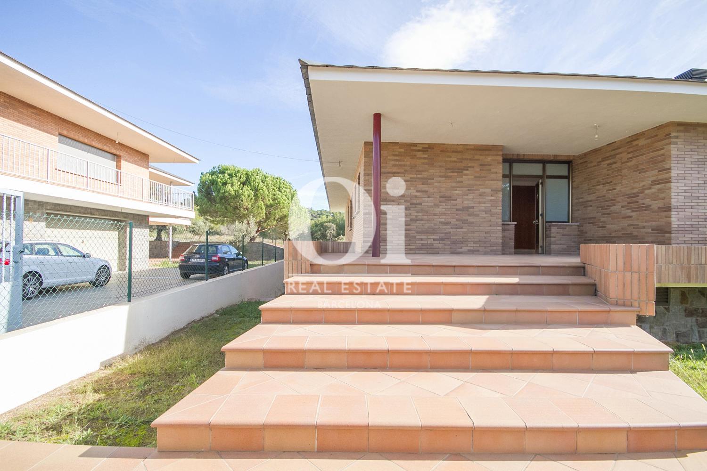Entrada de casa en venta en L'Atmetlla del Vallès