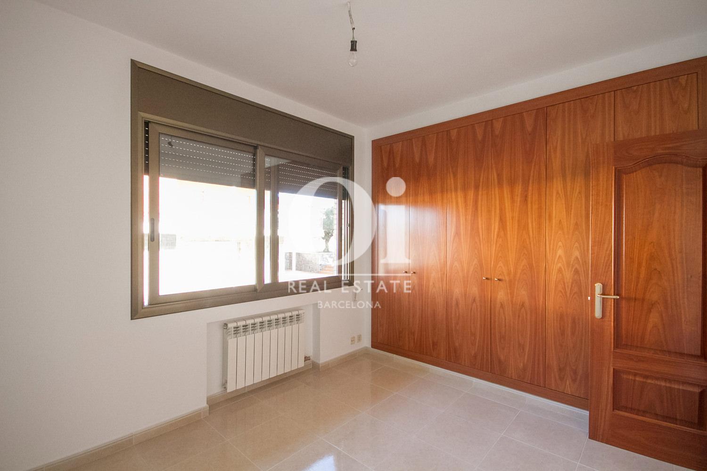 Шикарный дом на продажу в районе L'Atmetlla del Vallès