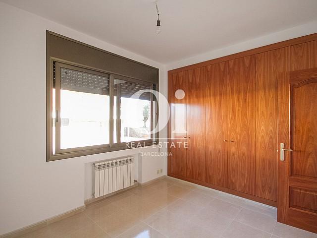 ENtrée d'une maison de luxe en vente aux alentours de Barcelone