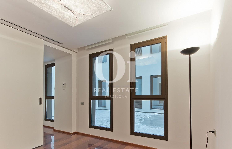 Vista de estancia de piso en venta en carrer Diputació, Barcelona