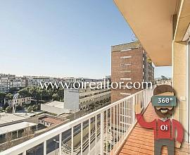 Appartement à trois vents à vendre avec vue panoramique à Maria Cristina, Barcelone