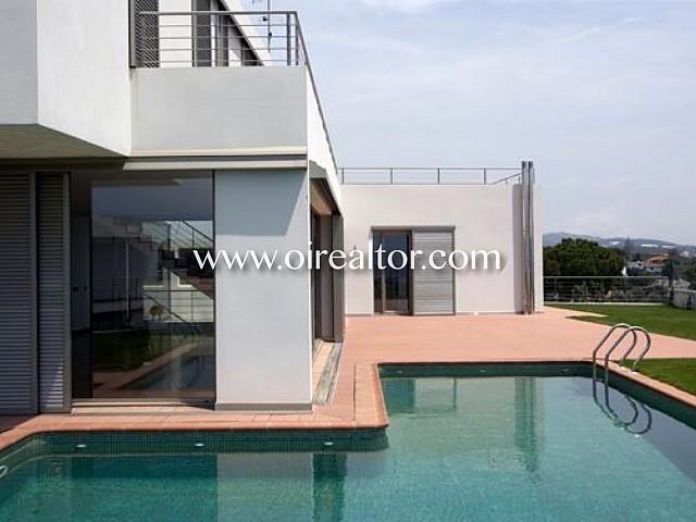 Moderna casa de nova promoció en venda a Arenys de Mar