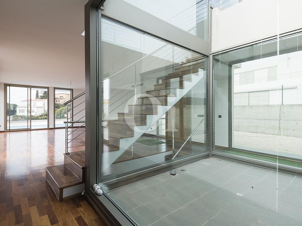 Продается новый элитный дом в Ареньс де Мар