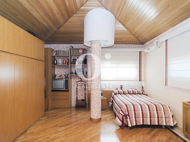 Vista de dormitorio de casa en venta en Sant Just Desvern