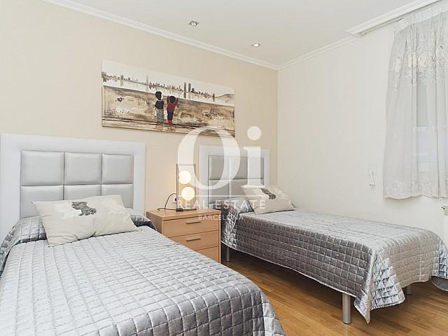 Chambre double dans une maison de luxe en vente à Sant Just Dervern