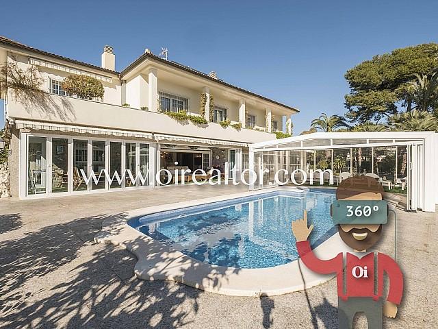 Belle villa avec vue sur la mer à Sitges, Barcelone