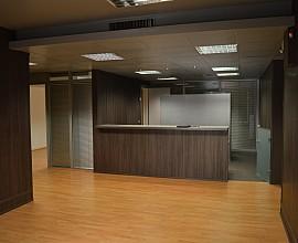 Oficina con fachada de 50 metros en  la misma Gran vía,Barcelona
