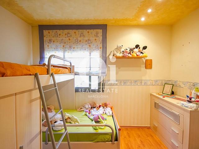 Chambre d'enfant d'une maison de luxe en vente près de Barcelone