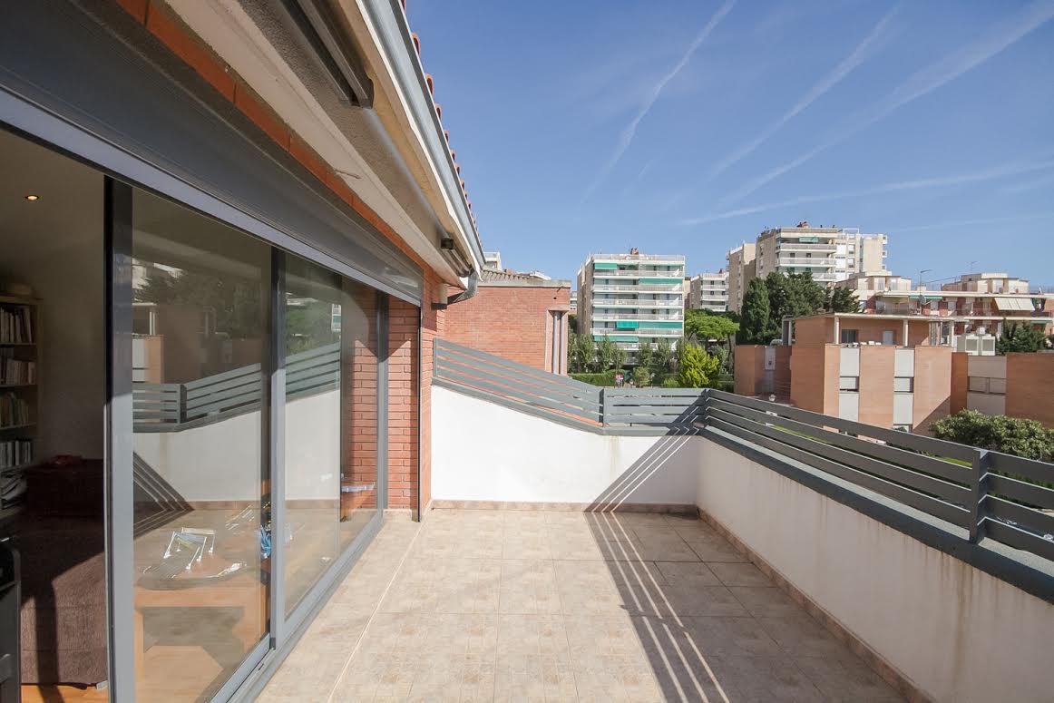 vista de balcón con vistas en casa adosada en venta en el Maresme