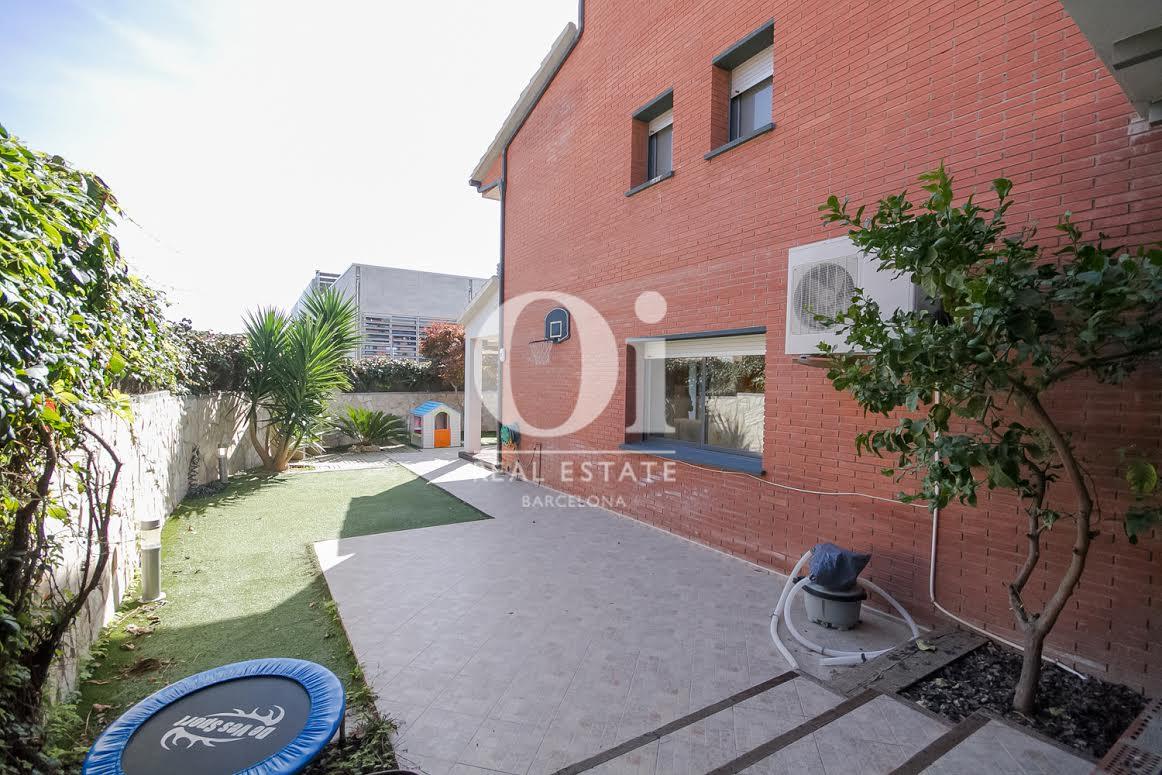 Extérieur d'une maison de luxe en vente près de Barcelone