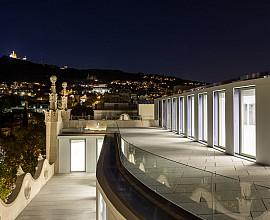 Local en edificio emblemático en Sant Gervasi, Barcelona