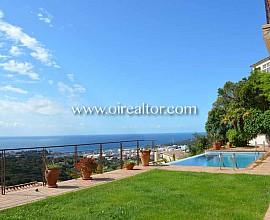 Excepcional casa en venta con vistas al mar en Lloret, Costa Brava