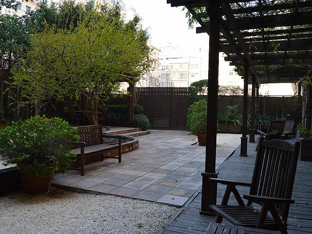 Magnífico apartamento para reformar como oficinas en el mismo Paseo de Gracia, Barcelona.