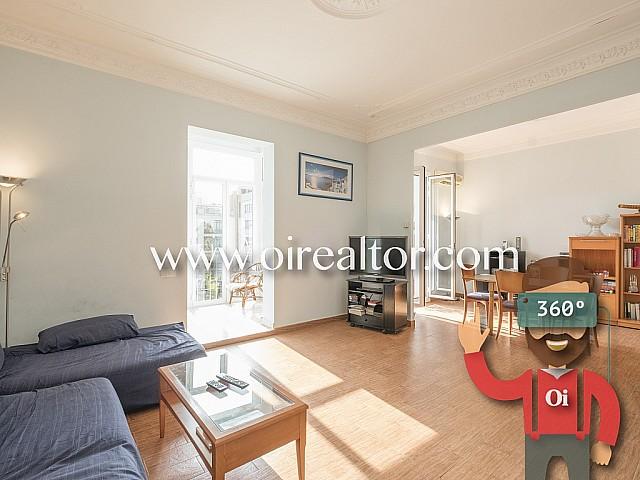 Продается большая квартира в центре Барселоны