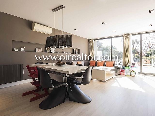 Fantástica casa  adosada en venta semi nueva en  Ciutat Diagonal, Esplugues