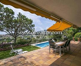 Casa en venta  con impresionantes vistas en Cabrils, Maresme